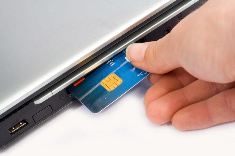 Полисы уходят в сеть. Сборы по онлайн-страхованию превысили три миллиарда рублей.