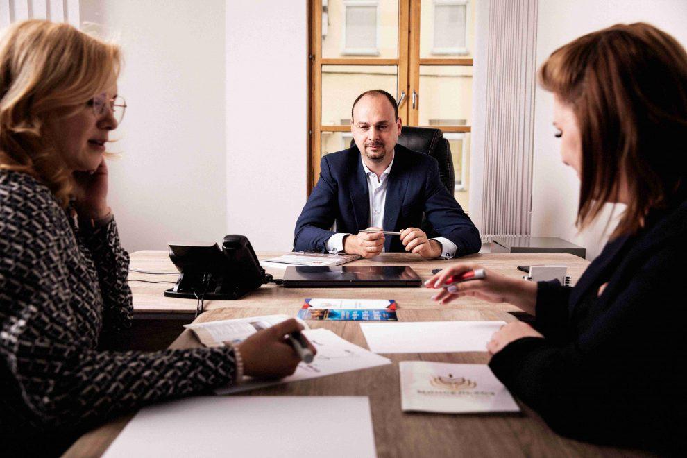 Интервью с генеральным директором СБ Оптимум Никитой Савченко