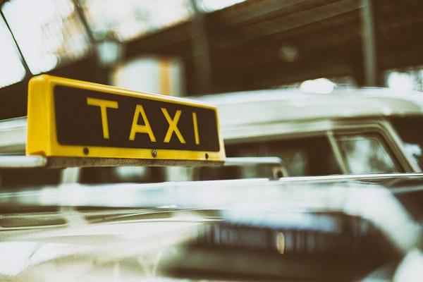 Такси обяжут страховать пассажиров на 2 млн руб., прочих перевозчиков ожидает в 2020 г. снижение тарифов в ОСГОП